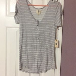 NWT short sleeve top by Quicksilver